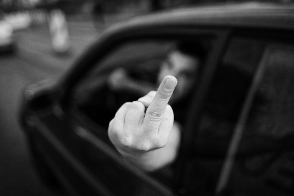 antifaschistisches Magazin der rechte rand - Autos als Waffen