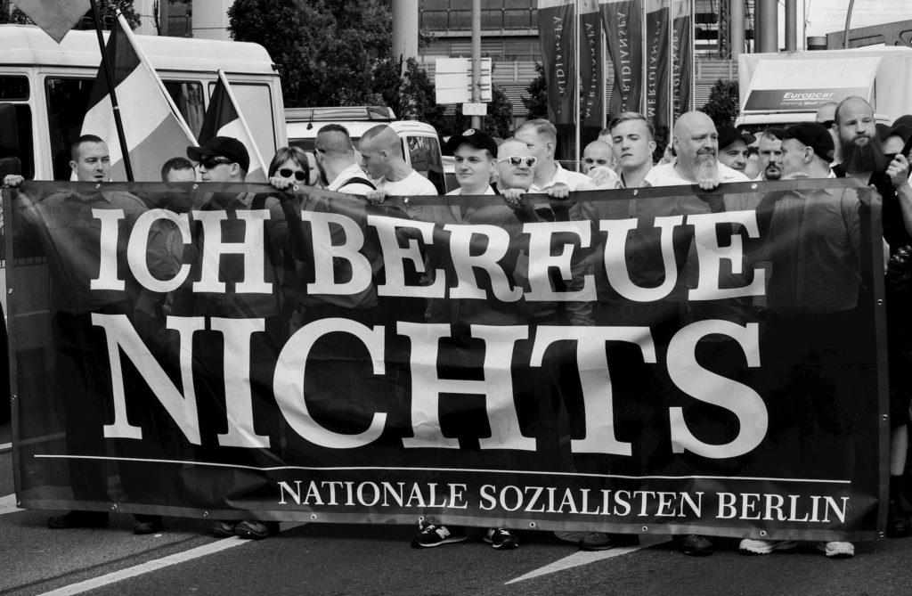 antifaschistisches Magazin der rechte rand - Hess Narsch