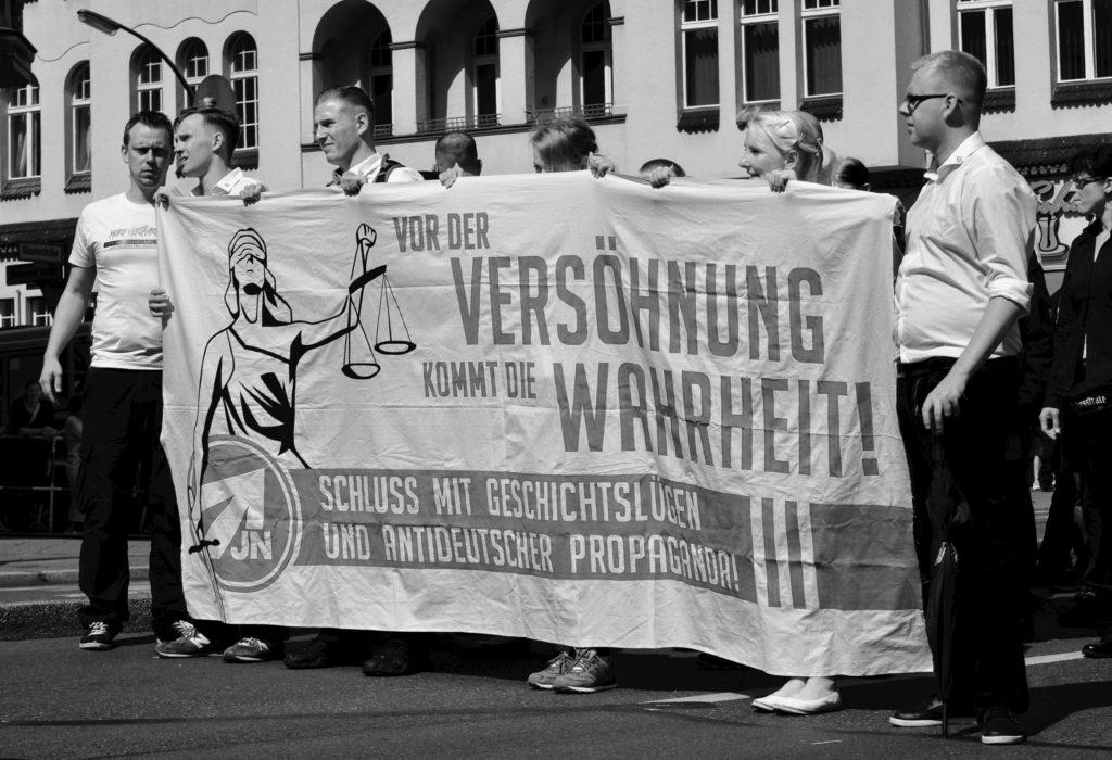 antifaschistisches Magazin der rechte rand - Hess Marsch
