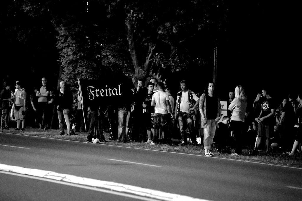 Freitaler RassistInnen zur Unterstützung in Heidenau